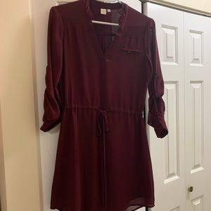 Cute and classy burgundy 3/4 sleeve dress!